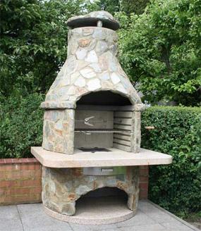 Caminetti da giardino idee per luarea barbecue in - Caminetti da esterno ...